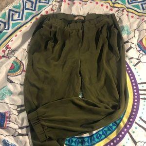 Olive green pants.